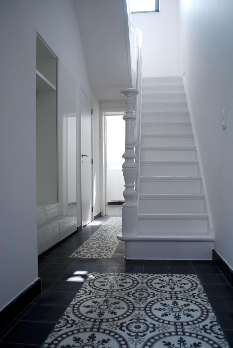 interieur_inkom_renovatie_traphal_vestiaire