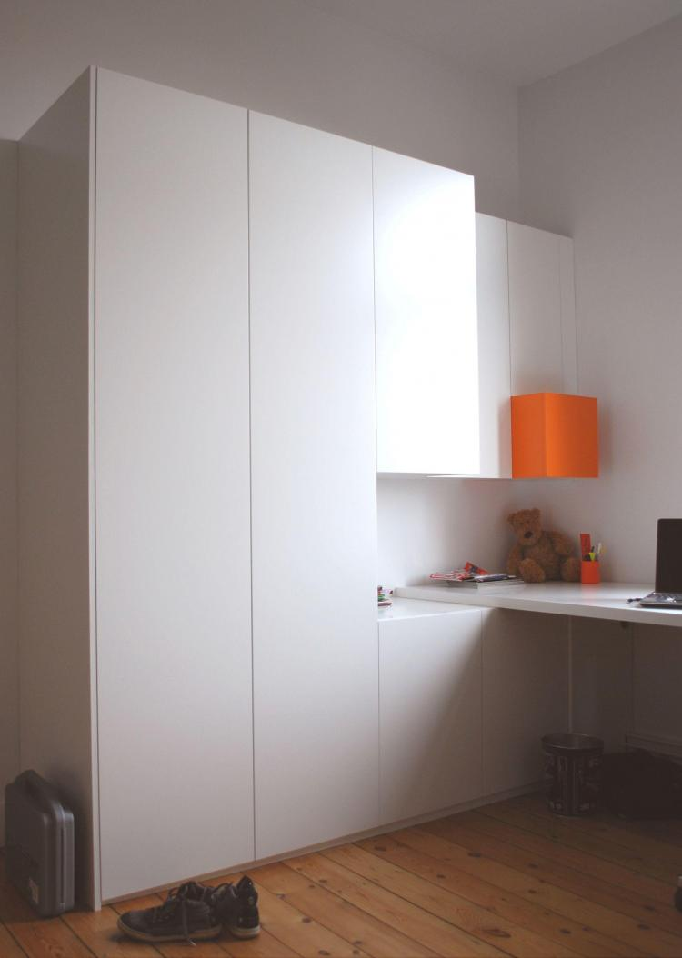 interieur_kamers_maatmeubels_tienerkamer_kleerkast_bureautablet