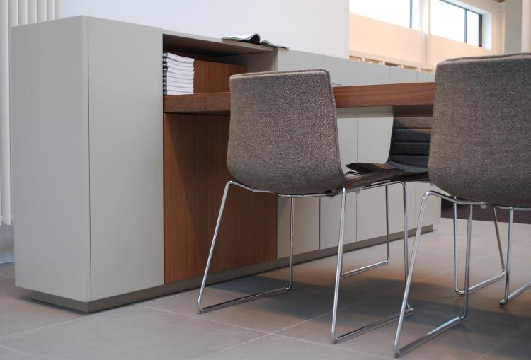 interieur_kantoor_maatwerk_bespreektafel