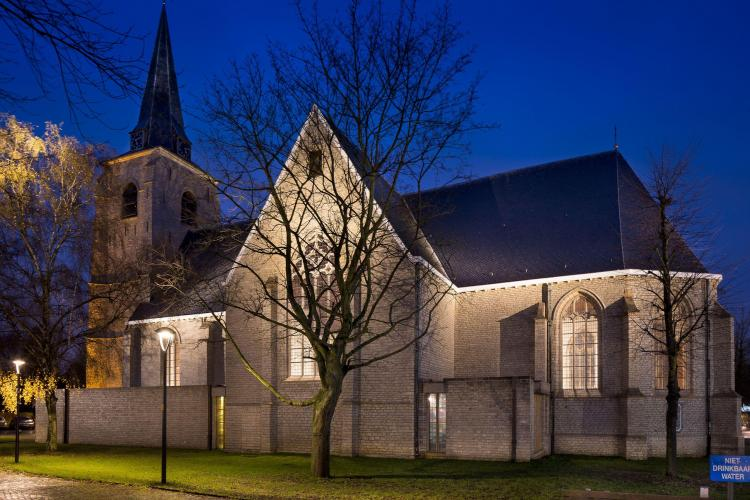 restauratie_kerk_hove_nachtopname_verlichting_interieur